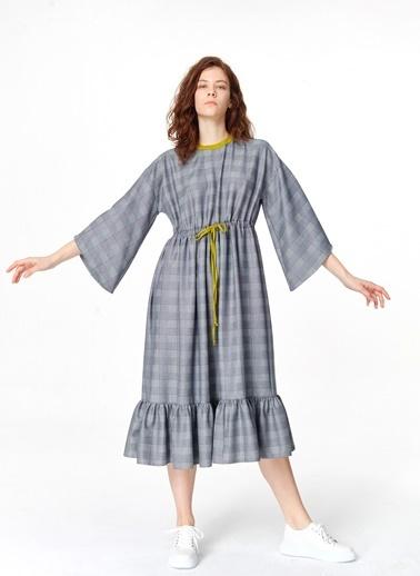 Mizalle Ekose Desenli Uzun Elbise  Lacivert